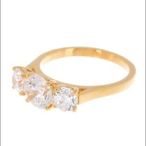 NWOT NADRI 3 CZ Stone Gold Ring - Size 7 💍